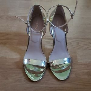 Sexy Gold Heeled Sandals Great for any look